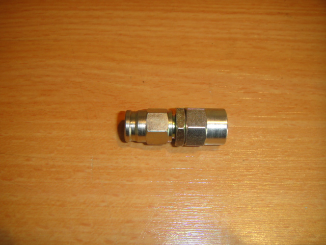 dash 3 female oil pressure gauge fitting