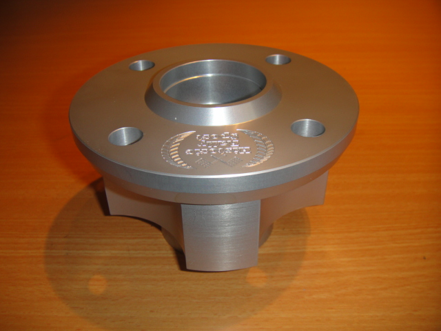 Large bearing alloy front hub